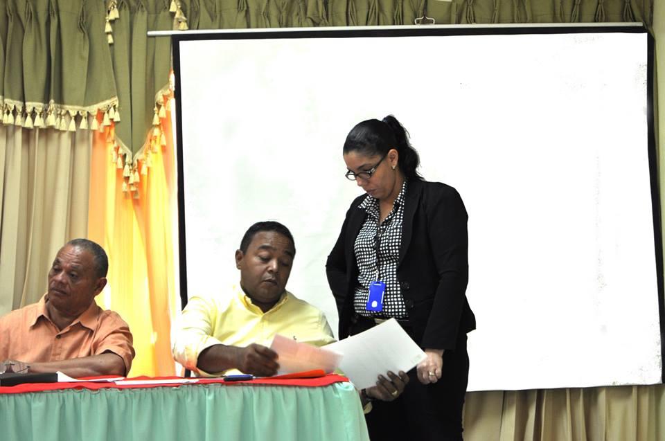 Nuestro alcalde trabaja arduamente para continuar mejorando las condiciones de nuestro pueblo