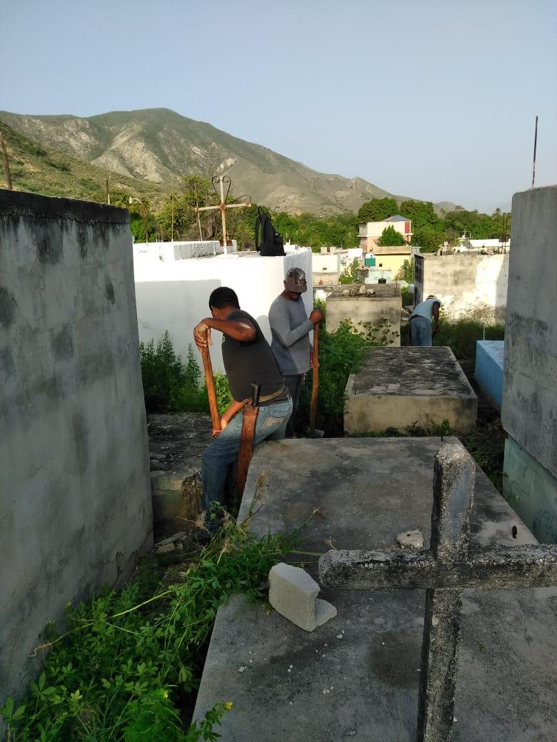 Jornada de Remozamiento, Riego y Poda de áreas Verdes del Municipio